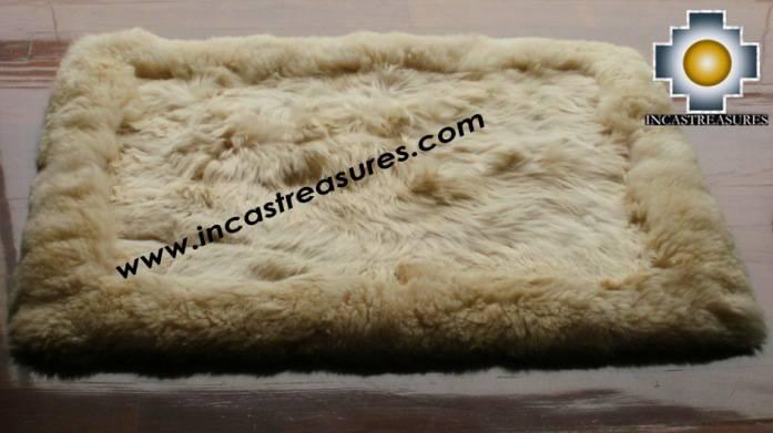 100 Alpaca Baby Round Fur Rug Suri Colors Product Id Alpacafurrug10