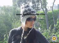 Alpaca Wool Reversible Hat Achachila llama - Product id: Alpaca-Hats09-26 Photo05
