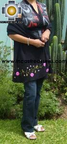 Rabbit Andean Shawl Kututu Yana - Product id: rabbit-shawl-01 Photo02