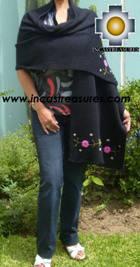 Rabbit Andean Shawl Kututu Yana - Product id: rabbit-shawl-01 Photo01