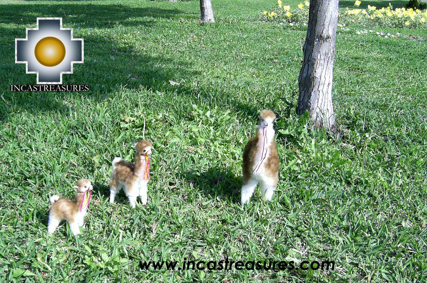 3 beautiful Vicunas playing, 3 sizes - Product id: TOYS08-kit1